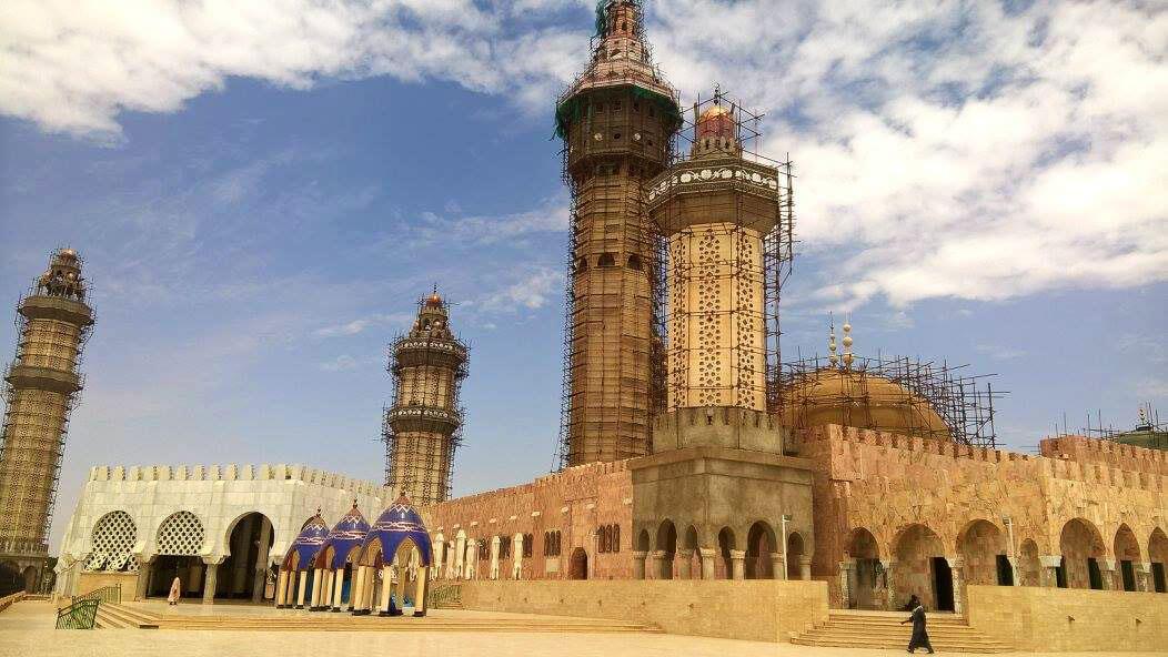 Cosa vedere in senegal la moschea di touba travelliamo for Giardino di ninfa cosa vedere